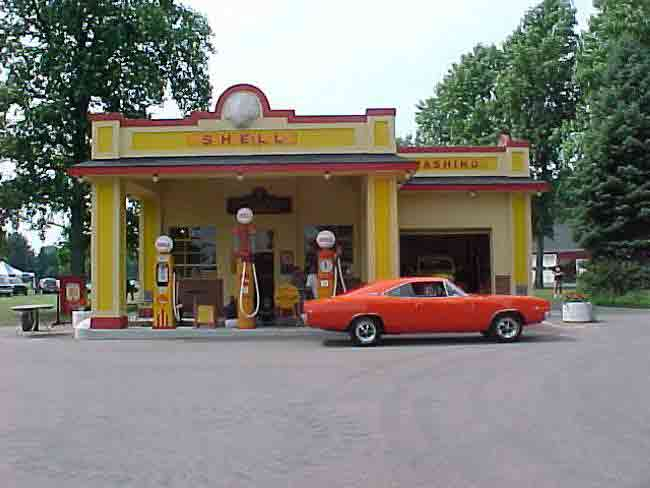 Kens_Charger_at_Shell_Gas